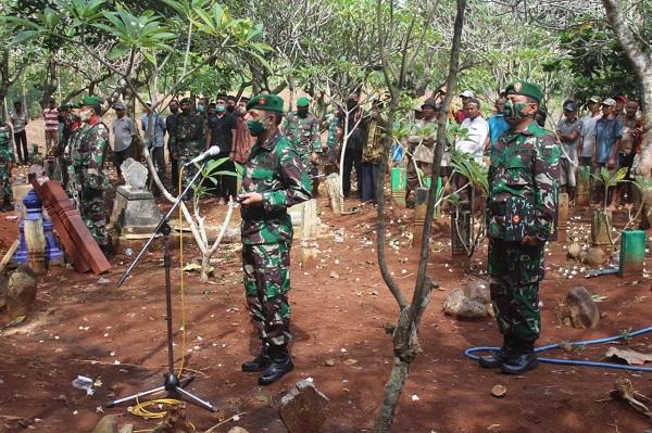 Dandim Pati pimpin upacara pemakaman militer Prajuritnya yang Meninggal dunia