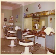 Fotografia de l'interior de la Barberia Franch quan es va obrir, el 1965. Arxiu: Família Franch Esteve