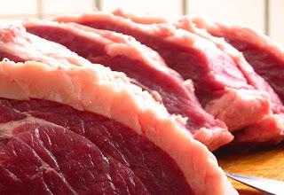 Crise faz desabar o consumo de carne bovina no Brasil