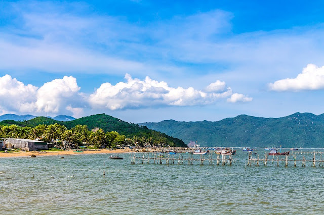 The Best Vietnam beaches for family to relax 1