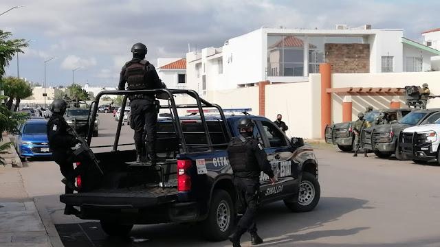 Militares hacen correr a 10 Sicarios en Sinaloa tras persecución son capturas tras esconder en fraccionamiento privado
