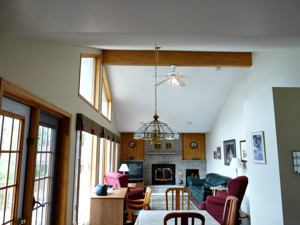 Should Wood Beams Be Painted Or Left Natural Dans Le
