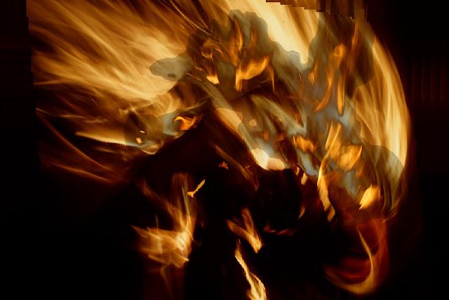 """Zorza - o zjawiskach i fotografii odklejonej. Esej. Fotografia odklejona. Łukasz Cyrus, 2019. """"Zjawisko"""". fot. Łukasz Cyrus, 2018."""