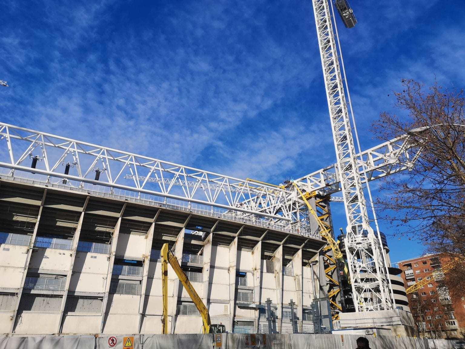 Amazing Sliding Field: Real Madrid's Revamped Santiago ...