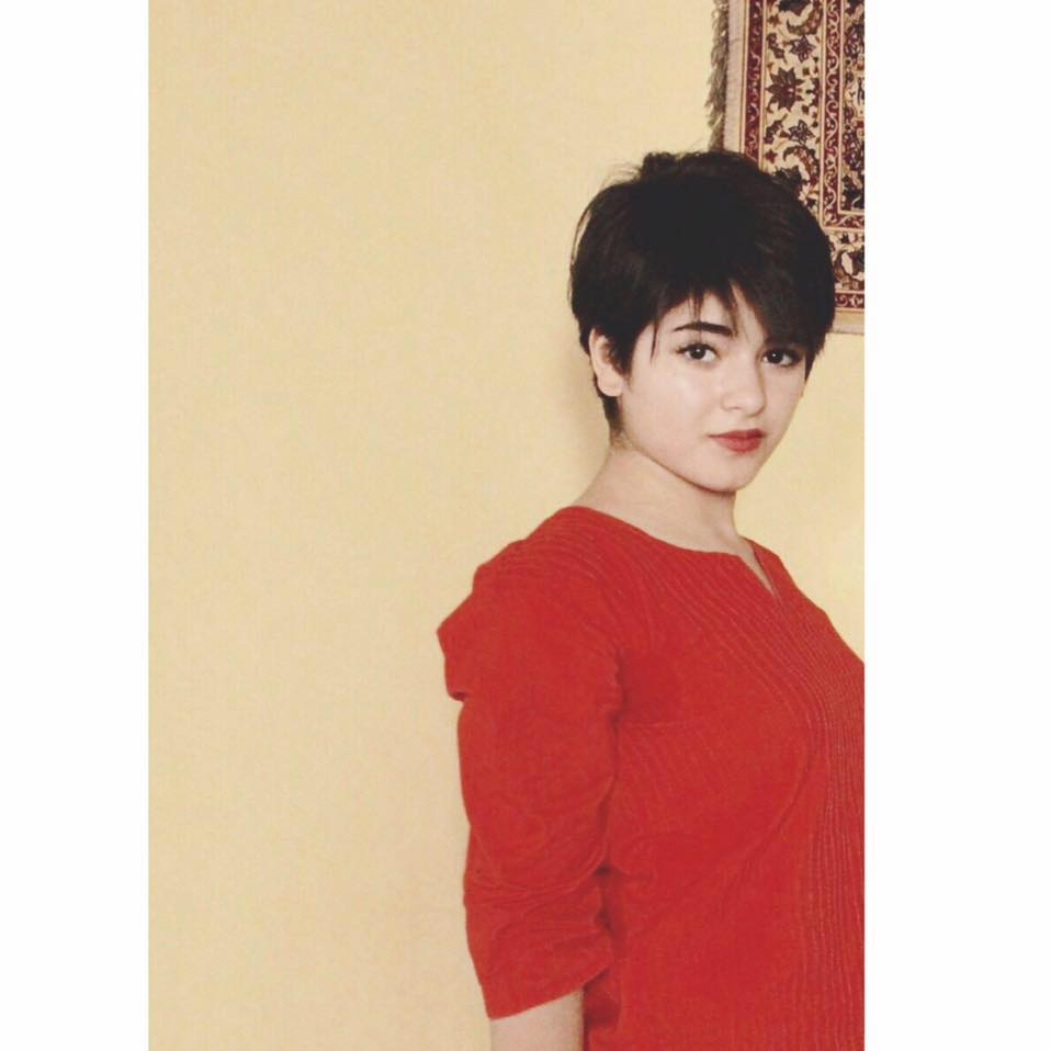 [Image: Zaira-Wasim-Dangal-Movie-Daughter-Photos-12.jpg]