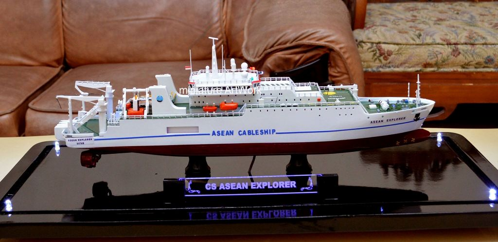 Kapal Cable Layer Asean Explorer Singapore