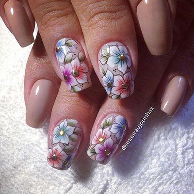 unhas decoradas com flores 10