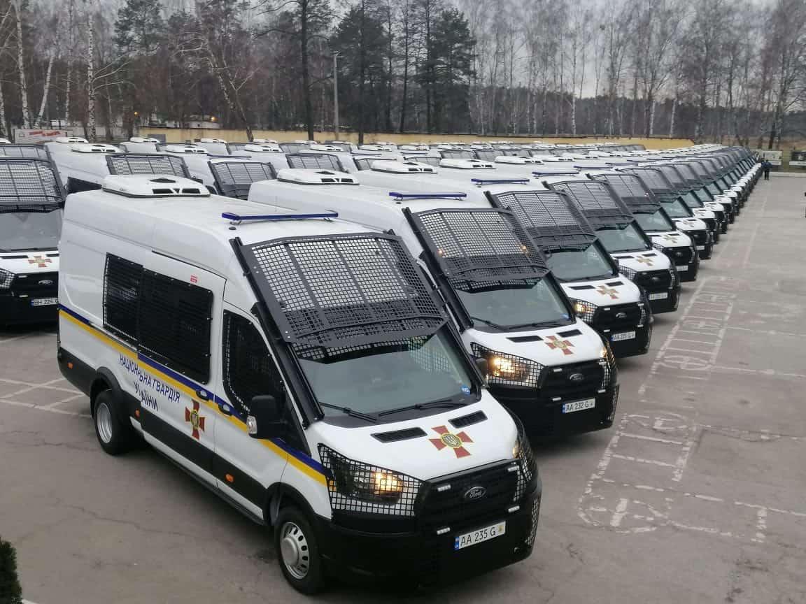 58 спеціалізованих мікроавтобусів Ford Transi