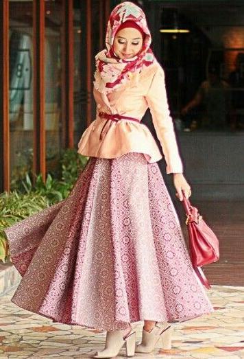 Contoh Batik Modern Muslim Dian Pelangi