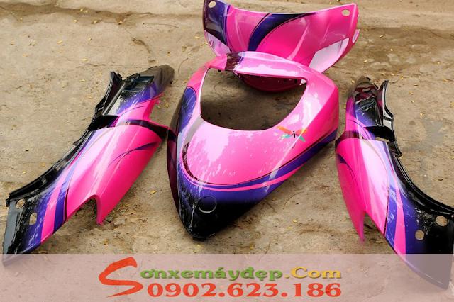 Sơn phối màu Attila Victoria màu hồng đen cho biker nữ