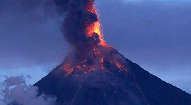 Vulcão Taal tira milhares de pessoas de casa nas Filipinas