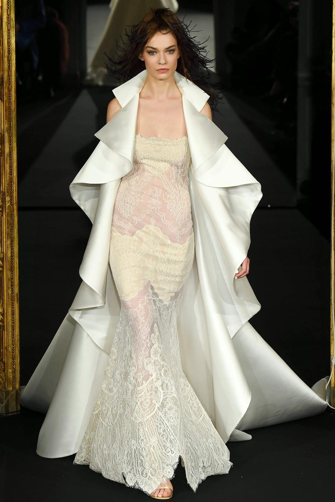 f619a7fb1c0c9 أزياء مفعمة بالأناقة والجمال من Alexis Mabille لأسبوع الموضة بباريس ...