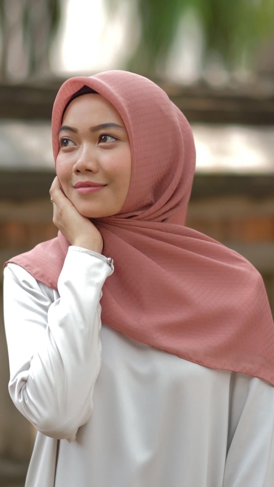 wallpaper muslimah cantik hijab jilbab kuning dan pink