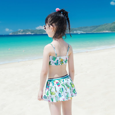 Bikini me con M146