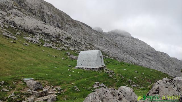 Refugio antiguo de Vegarrredonda