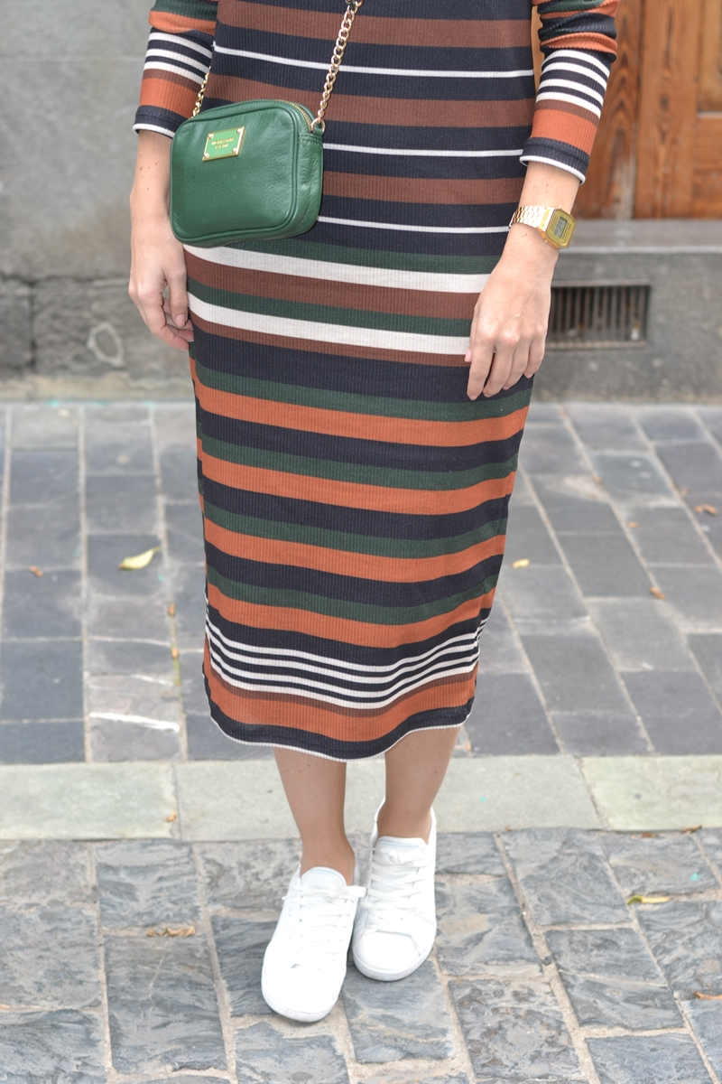stripes-dress-casual-style-accesories