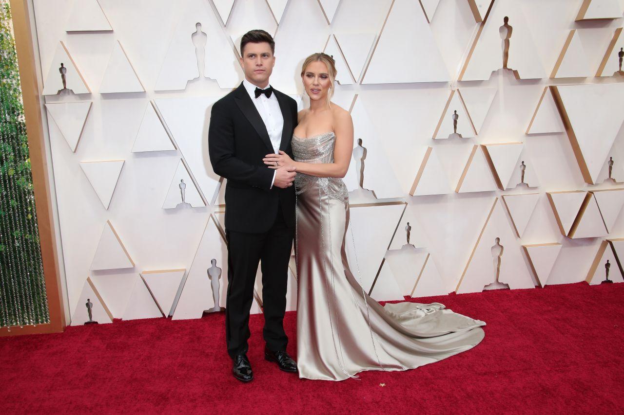 Scarlett Johansson and Colin Jost Continue Their Red Carpet Streak at 2020 Oscars