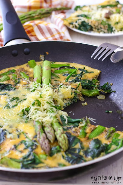 Spinach and asparagus frittata from Happy Foods Tube; used with permission.