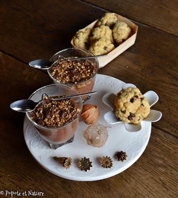 Crèmes végétales au chocolat et cookies pépites choco et pralin ©Popote et Nature