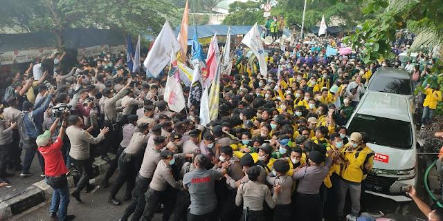 Massa Demo KPK Bubar, BEM SI Janji Akan Gelar Demo Lanjutan