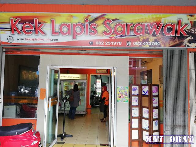 Kek Lapis Di Wannie Sarawak di Kuching Sedap