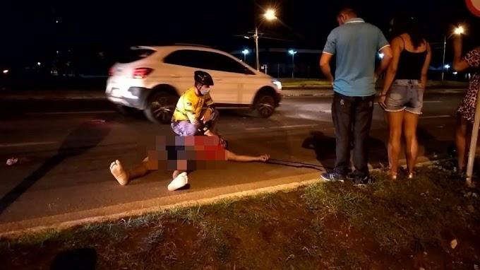 Motociclista bate na traseira de carro e morre na hora na BR-364