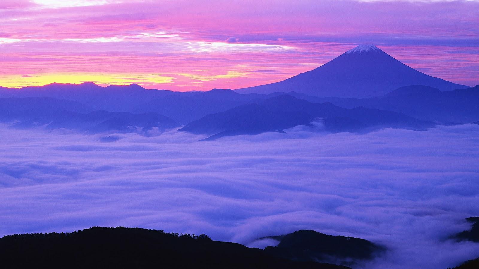 https://1.bp.blogspot.com/-XaPcIs2XMpc/UA1ctss0OOI/AAAAAAAAAco/UJfxr1fp_o4/s1600/Fog+Over+Mount+Fuji,+Honshu+Island,+Japan.jpg