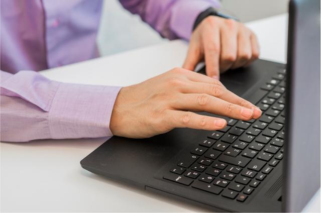 Belajar Cara mengetik di laptop dengan cepat untuk Pemula