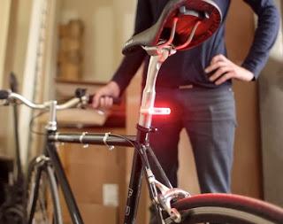 lampu sepeda tenaga matahari