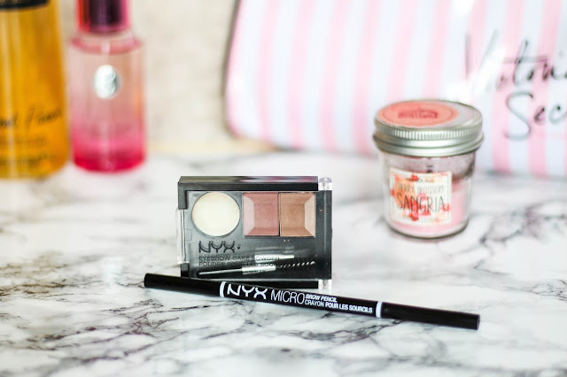Micro Brow Pencil et EyeBrow cake Powder NYX Cosmetic