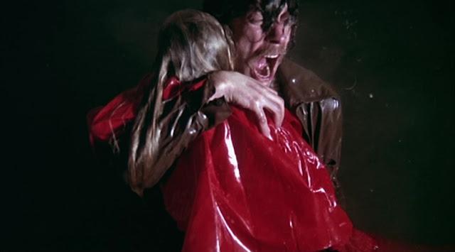 Anak John dan Laura Baxter di film Dont Look Now (1973) yang bernama Christine tewas tenggelam