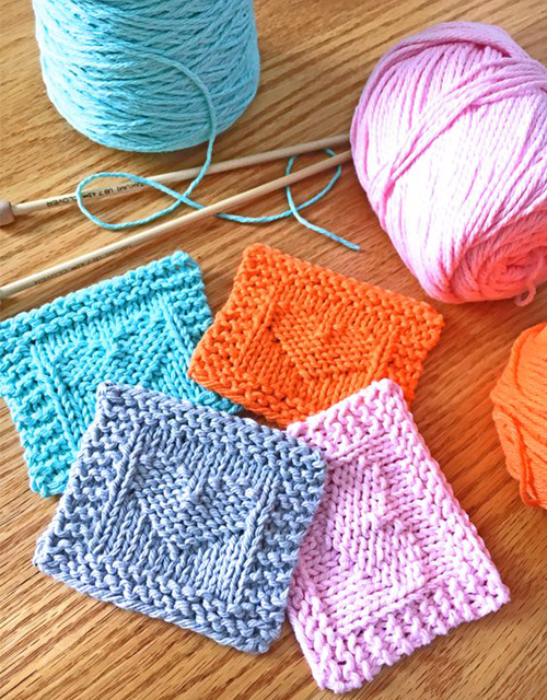 Heart Face Scrubby - Free Knitting Pattern