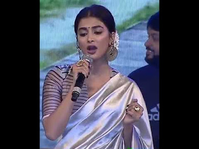 Sexy-Heroin-Pooja-Hegde-sing-a-samajavaragamana-song-in-avpl-success-Event-Andhra-Talkies