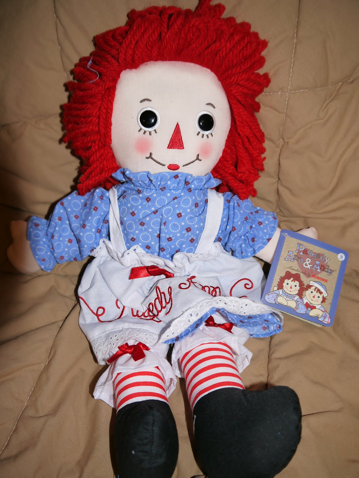 Giveaway Lady: Raggedy Ann Review & Giveaway!