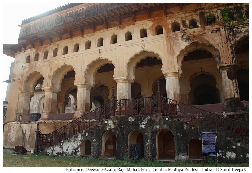 Deewane-Aam, Raja Mahal, Orchha fort, Madhya Pradesh, India - Images by Sunil Deepak
