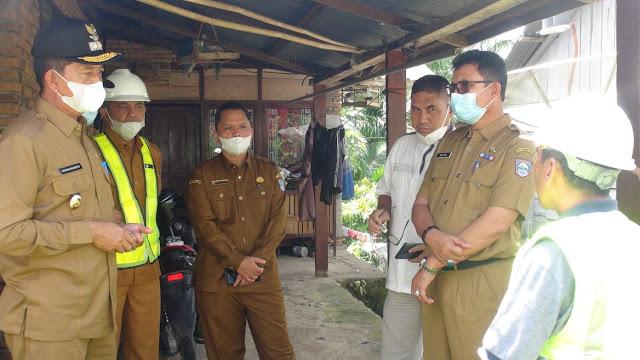 Sidak Pembangunan Jalan Simpang Panco Kinali, Wabup Risnawanto Warning Kontraktor