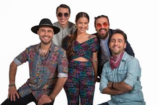 """Moral Distraída lanza """"Rico rico"""" junto a Denise Rosenthal y Los Vásquez"""