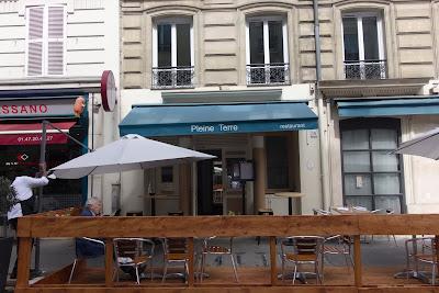 Entrée du restaurant Pleine Terre Paris blog Délices à Paris.