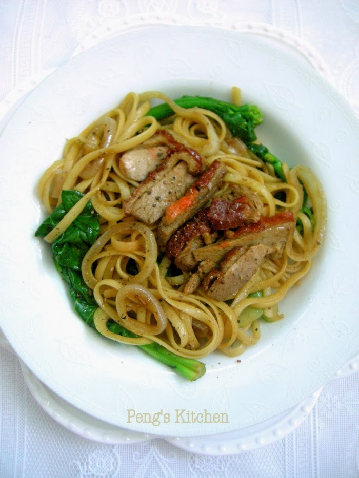 Pasta with Roast Duck in Black Pepper Sauce