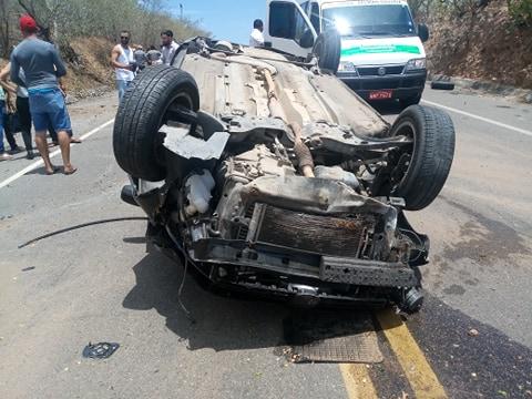 Moradoras de Delmiro Gouveia sofrem acidente na AL-220 em Delmiro Gouveia
