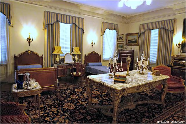 Camas en el Dormitorio de los Monroe de la Mansión Rosecliff, Newport