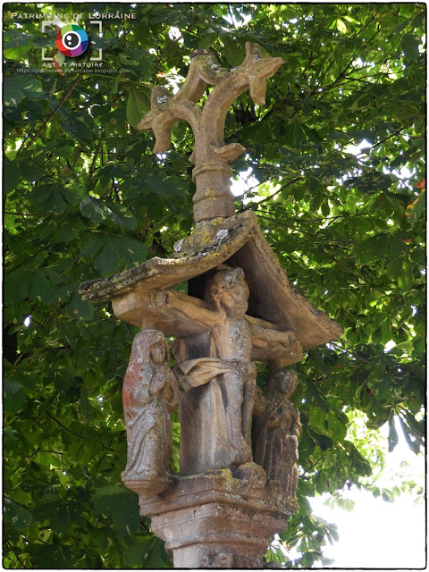 IMMONVILLE (54) - Croix-calvaire (XVIe siècle)