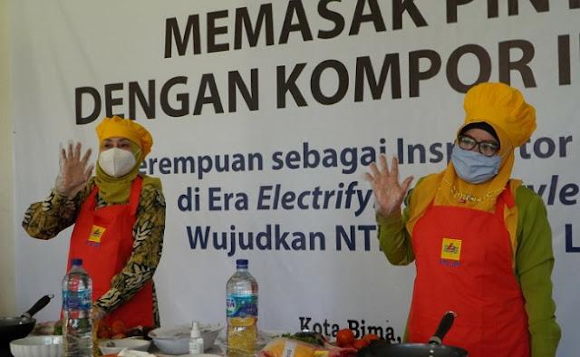 Dorong  Electrifying Lifestyle, PLN NTB Gandeng PKK Gelar Memasak Pintar dengan Kompor Induksi