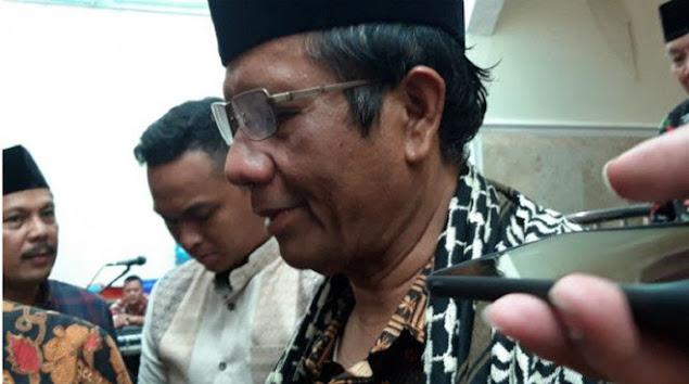 Refly Harun Tilik Mahfud MD Tak Ikhlas Habib Rizieq Pulang, Kenapa?