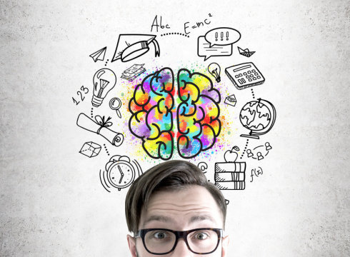 How does the brain solve problems through memory combination