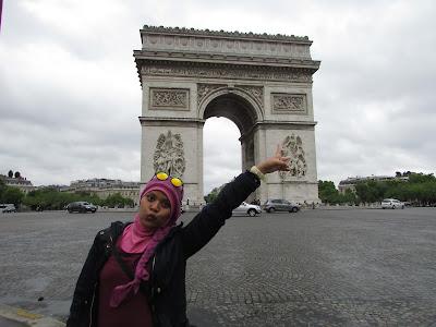 Jalan-jalan di Paris