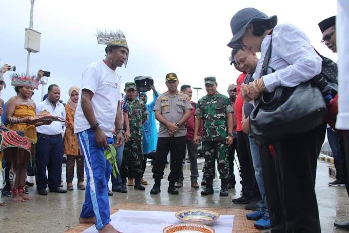 Kapolres Raja Ampat Mendampingi Menteri Koperasi dan UKM Dalam Rangka Kunjungan Kerja di Raja Ampat
