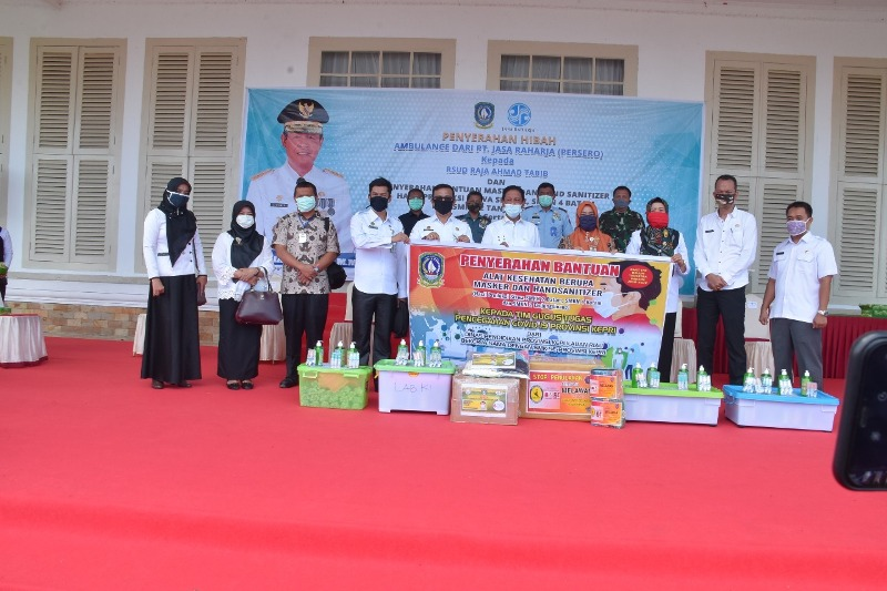 Danlantamal IV hadiri penyerahan Bantuan Keuangan, APD, Masker Rapid Tes dan Hibah Mobil Ambulance