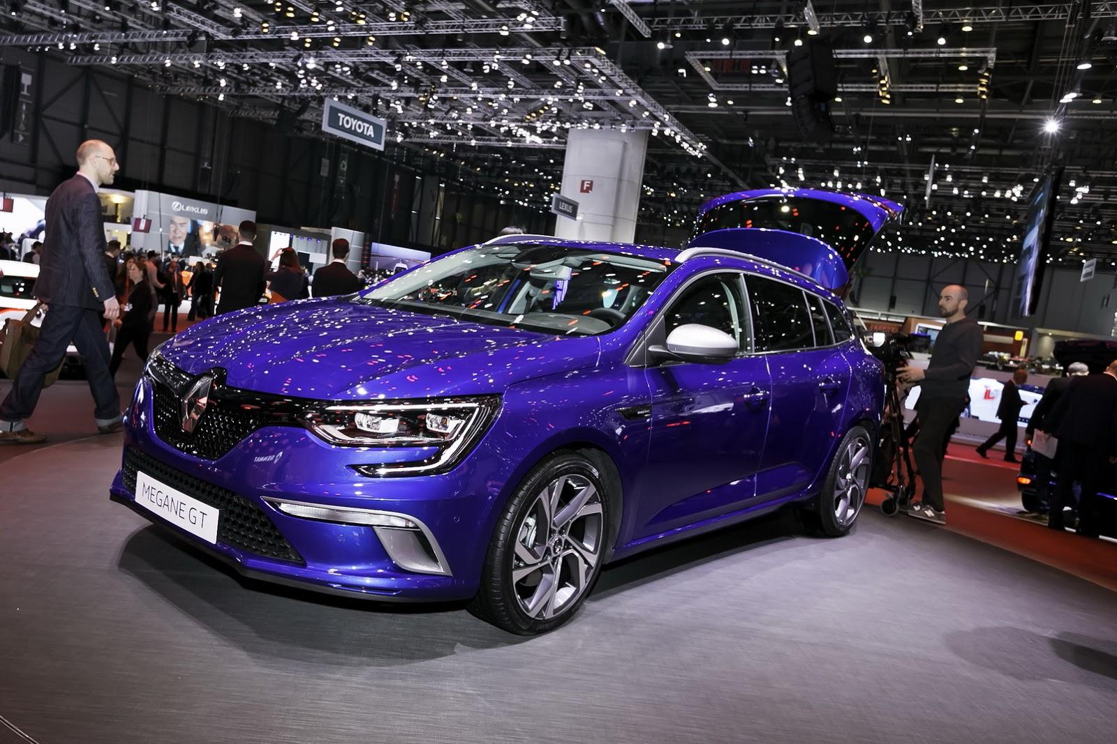 Renault Megane Sport Tourer 2016 thực sự là một chiếc wagon rộng rãi
