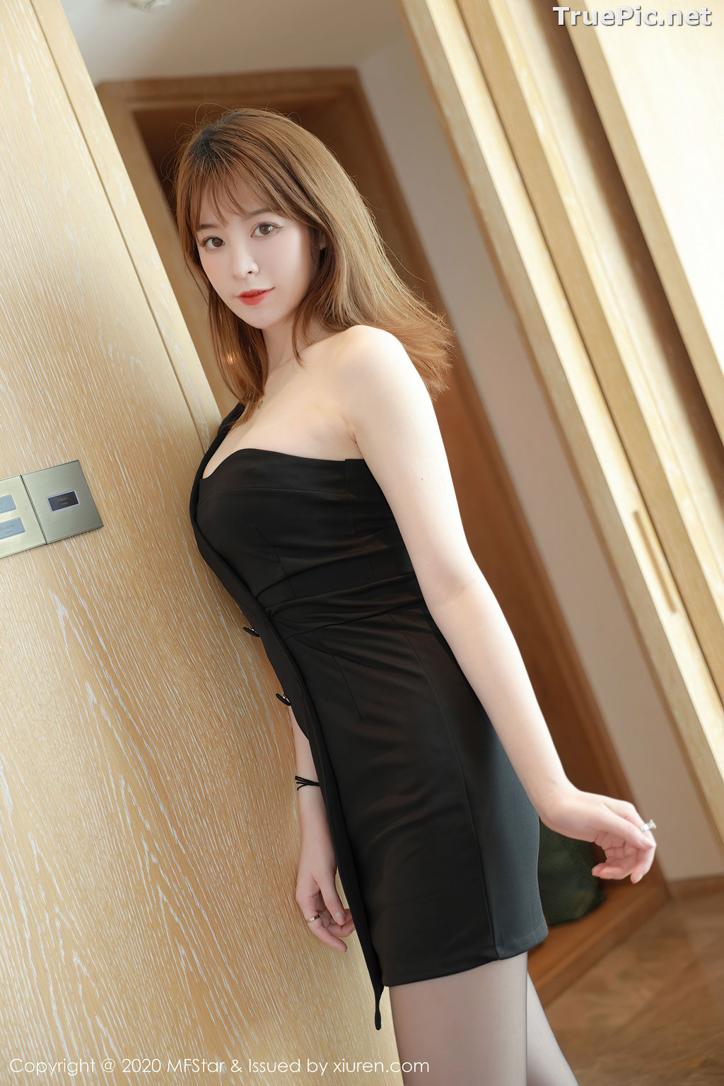 Image MFStar Vol.405 - Chinese Model - Yoo优优 - Hot Woman in Black - TruePic.net - Picture-5